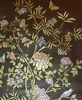 Chinoiserie stencilled panel detail 1