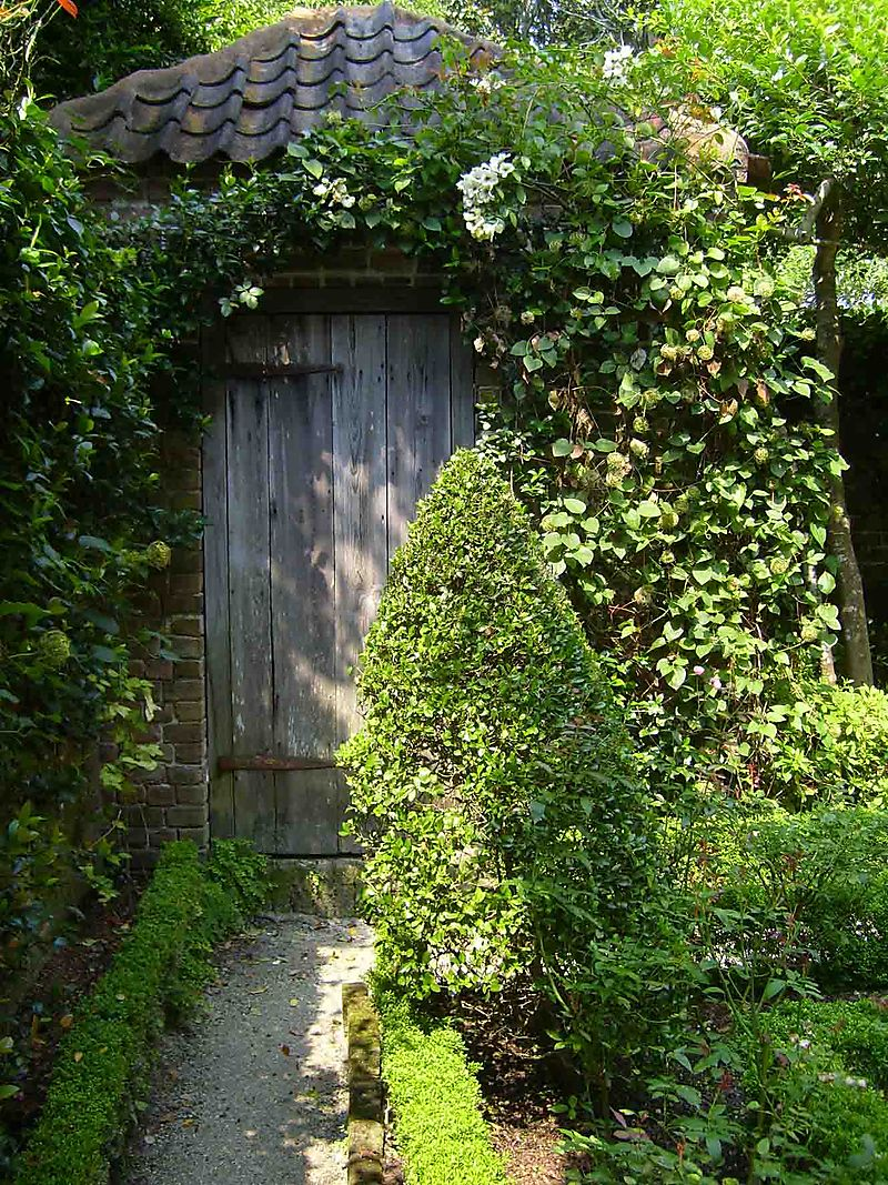 Charleston garden privvy 51