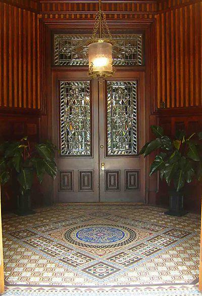 Tiled entrance Calhoun House14