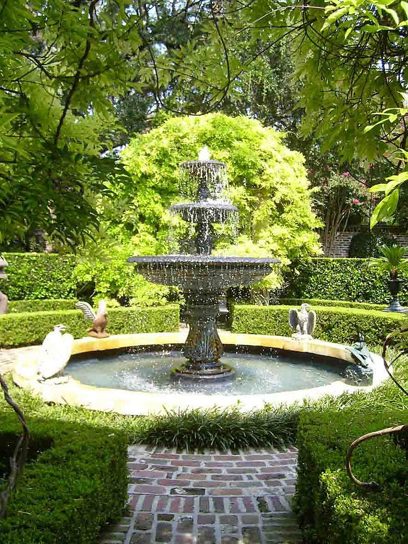 Calhoun Italian fountain 04