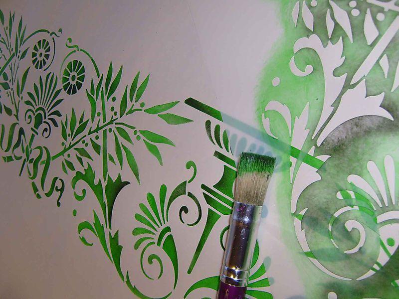 ER25 Stencil and stencil brush EM