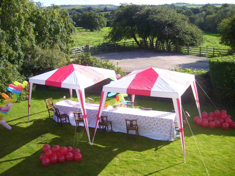 9 Garden tents from above