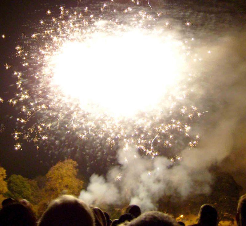 Fireworks sizzle 76