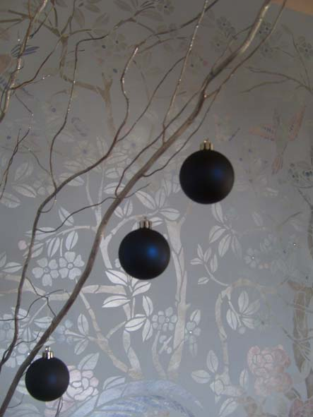 Baubles in Chinoserie stencilled room 10