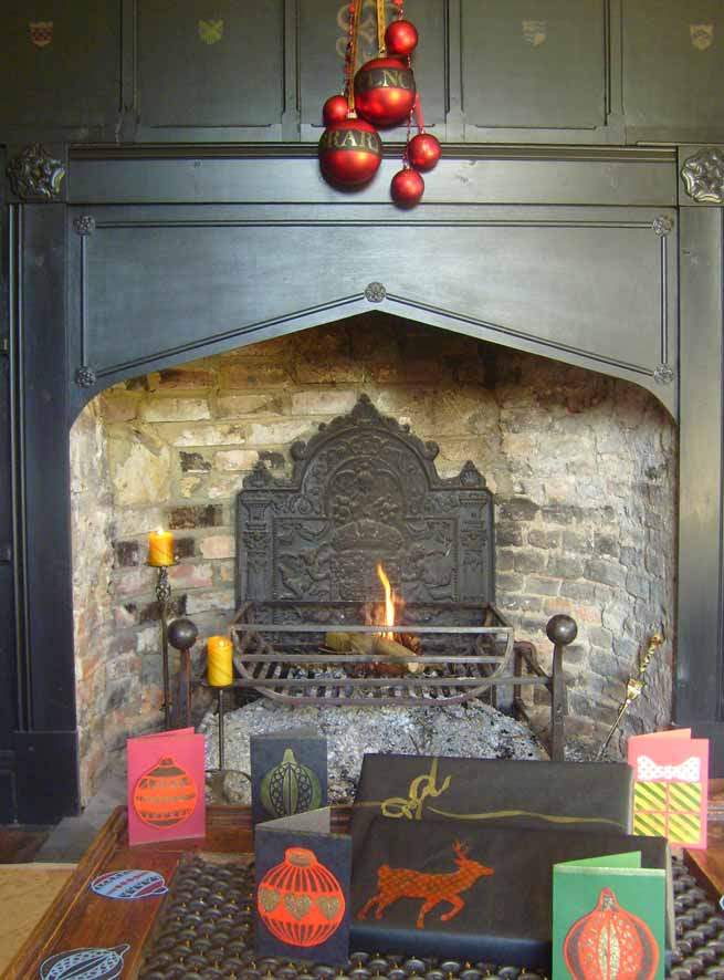 Stencilled Christmas house tour 80