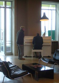 Pianist and tap dancer 38