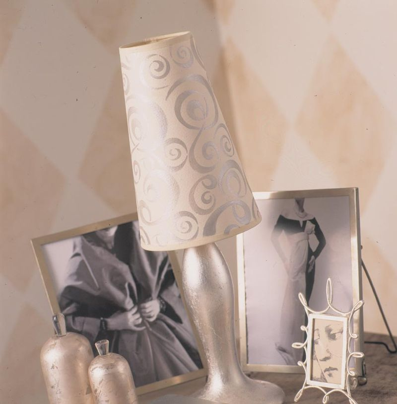 BB squiggle stencil lamp