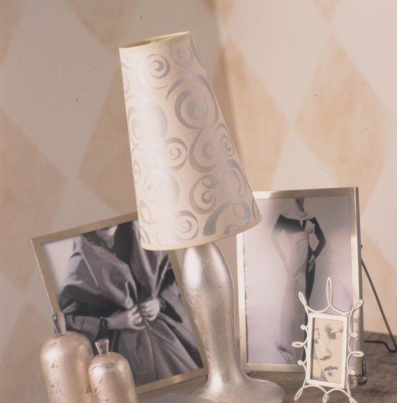 BB squiggle stencil lamp