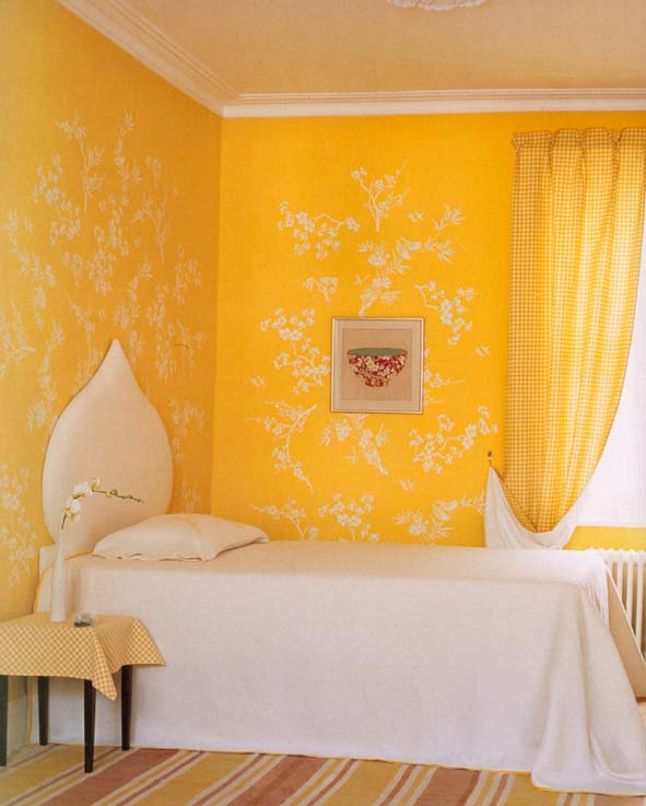 Yellow stencilled Homes & Gardens