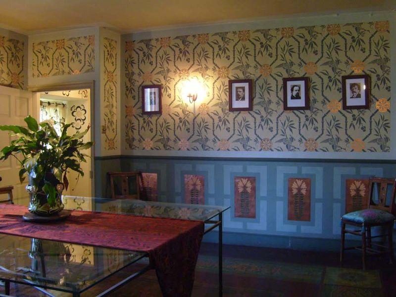Arts & crafts stencil dining room