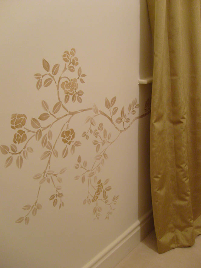 Chinoiserie stencil in gold
