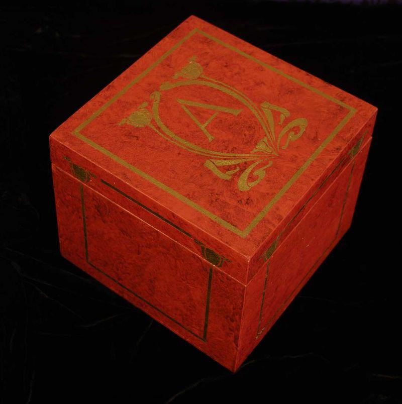 Stencilled mongram box 02