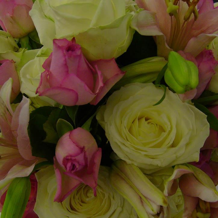 Rose bouquet close up 99