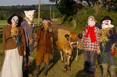 Scarecrows stocksfield festival 3