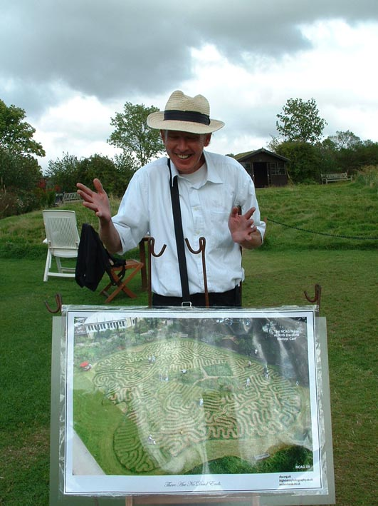 Maze man at Harlow Carr 93