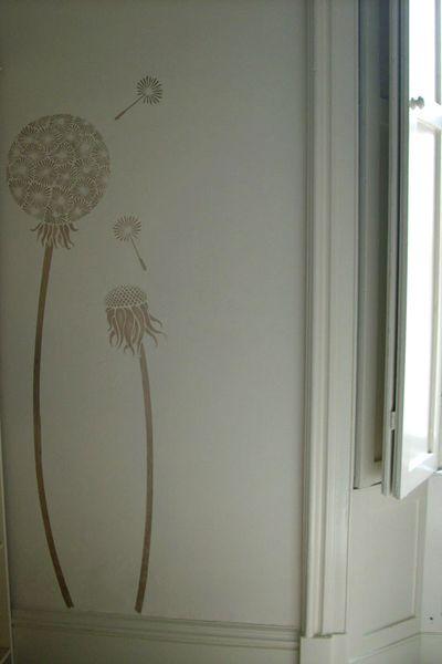 LTL4 dandelion stencil Eslington