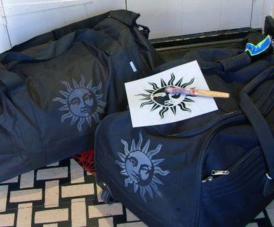 Stencil library luggage 044