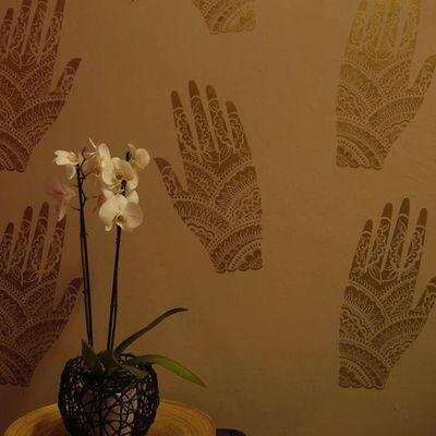Henna hand stencil em5915