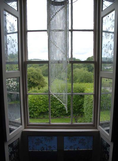 6 stencilled mirror windows em 030