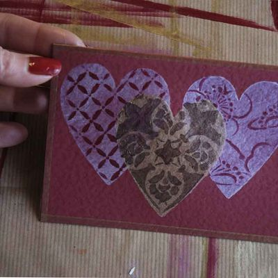 10 three stencilled hearts 5512