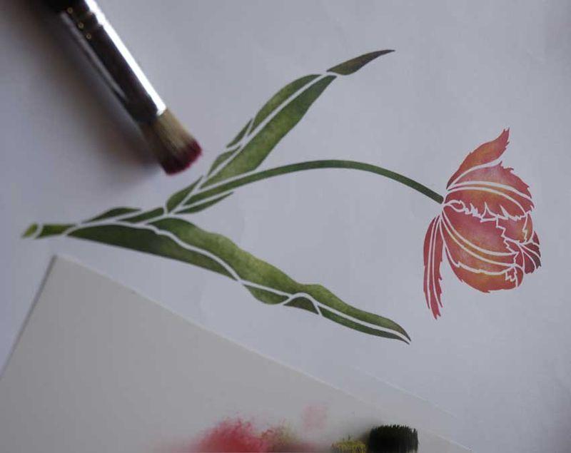3 tulip stencil_5849