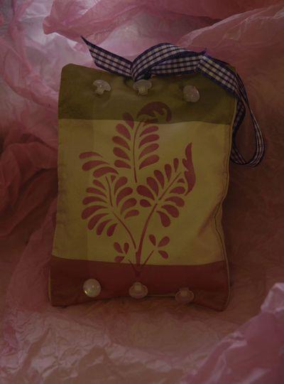 Betty's stencilled herb pouch em-4