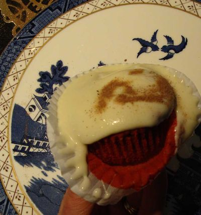 5 eat me cake 01