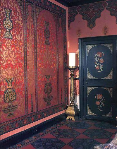 H morris stencilled home Ottoman