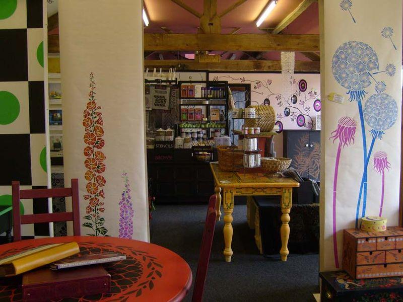 Stencil Library Shop 873