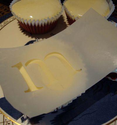 2 eat me cake 70