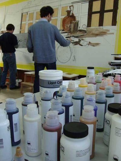 Salon mural golden paint.147