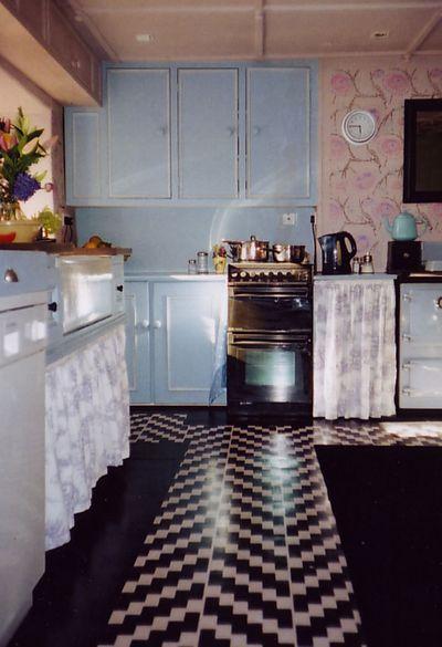 Pink shiny stencilled floor em