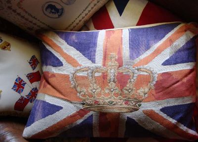 Union flag and crown94