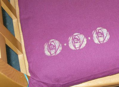 Gail's stencilled cushion 64