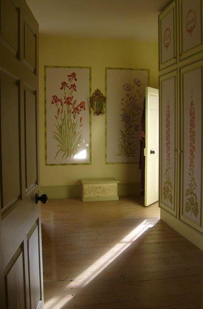 Gustavian stencilled room em.91