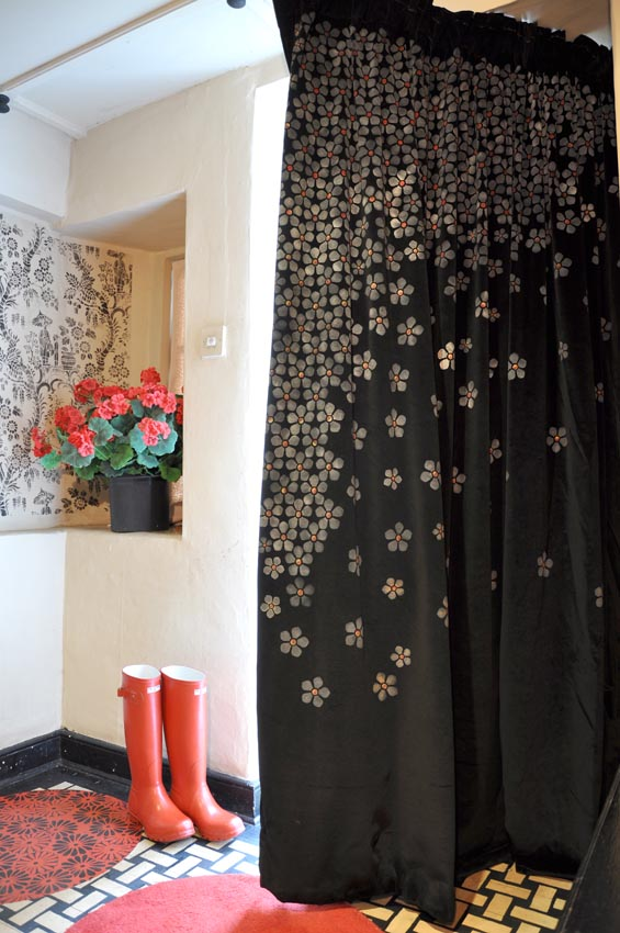 Stencilled door curtain 19