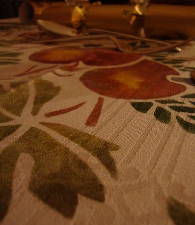 Stenciled table detail 90