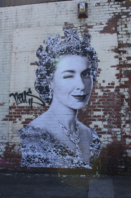 Stencil library queen 57