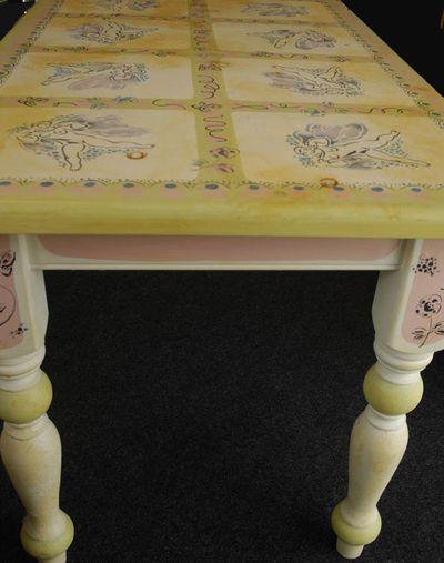 Charleston table em59