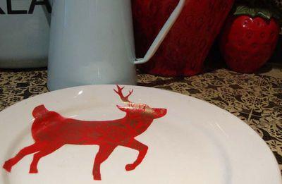 Reindeer stencil plate.13