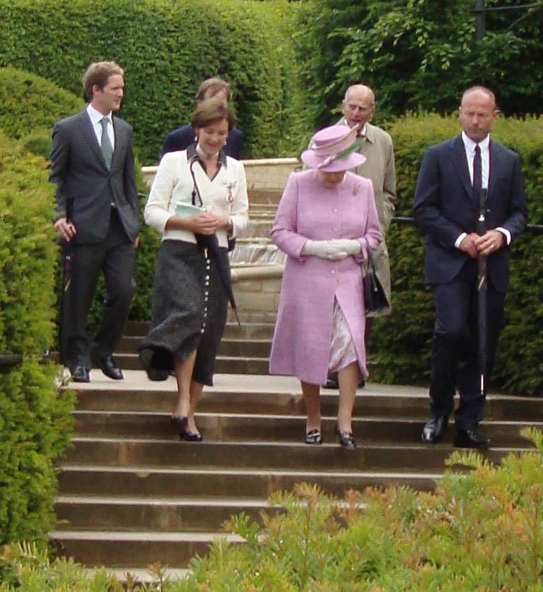 Royal party alnwick 213