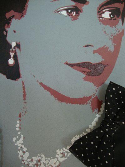 Queen stencil bow tie.40