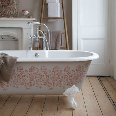 96_000010d88_1ac6_orh550w550_6-Stencil-bath--paint--country--Country-Homes--Interiors