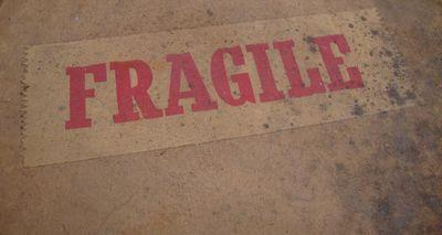 Fragile.563