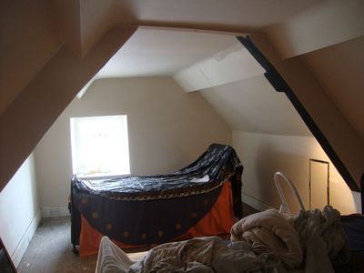 Willow attic room before816