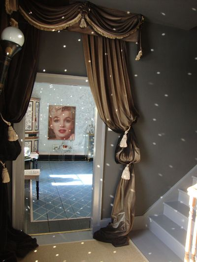 Mirror ball and marilyn31