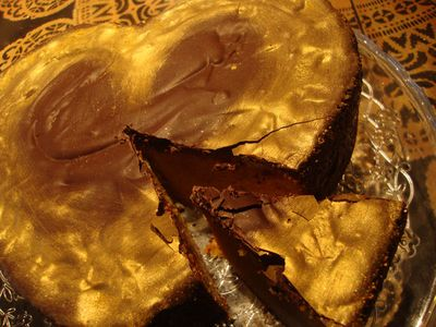 Chocolate and gold cake24