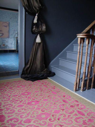 1 stenciled sisal pink rug504