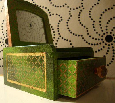 Faberge stencl box24