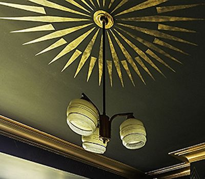 Gold coving and ceiling stencil